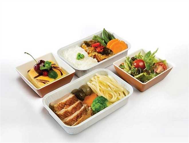 Còn đây là suất ăn trên khoang Phổ thông Đặc biệt của Vietnam Airlines