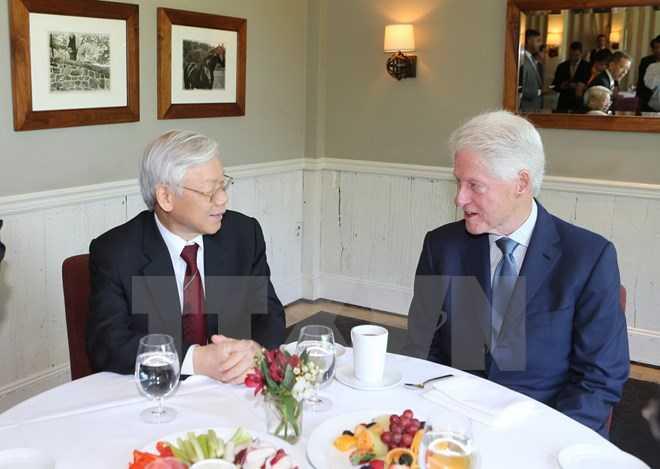 Tổng Bí thư Nguyễn Phú Trọng thăm gia đình Cựu Tổng thống Hoa Kỳ Bill Clinton ở ngoại ô thành phố New York, Hoa Kỳ