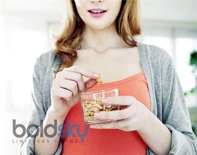 Giảm khẩu phần ăn và tăng tần số của các bữa ăn: Điều này có thể giúp bạn ngăn chặn sự thèm ăn.