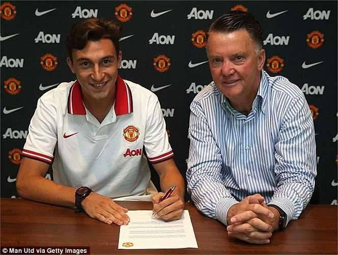 Cựu cầu thủ Torino ký vào bản hợp đồng có thời hạn 4 năm với Quỷ đỏ. Anh cũng khẳng định, lời đề nghị dành cho anh của Man Utd là quá tốt để không thể từ chối