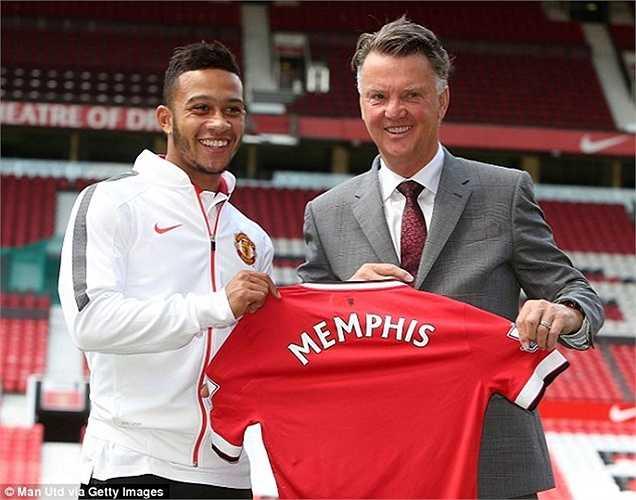 Depay, Darmian là 2 cái tên mở đầu kỳ chuyển nhượng năm nay của Man Utd. Theo tuyên bố của Quỷ đỏ, họ đã có thêm sự bổ sung nữa từ Schweinsteiger