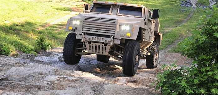 Nhà sản xuất vẫn chưa đưa các thông số về kích thước chiếc xe, nhưng nó có trọng lượng hơn 7 tấn.