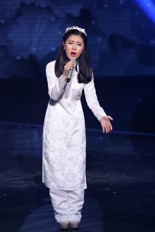 Thu Hòa đội Thu Phương biểu diễn ca khúc 'Mẹ tôi'
