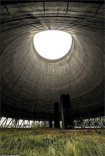 Xây dựng từ năm 1983 với số tiền trị giá hơn 2 tỷ USD