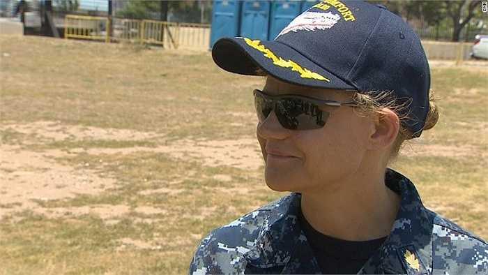 Thuyền trưởng Christine Sears
