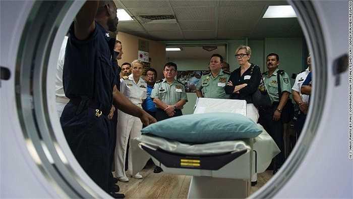 Máy chụp X-quang là một trong những thiết bị công nghệ cao của tàu