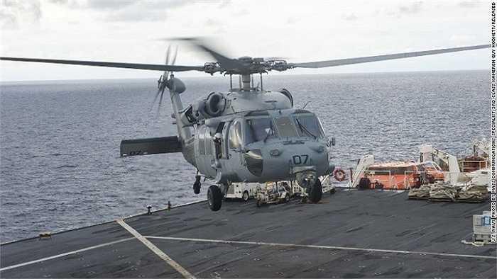 Trực thăng MH-60S Sea Hawk trên tàu