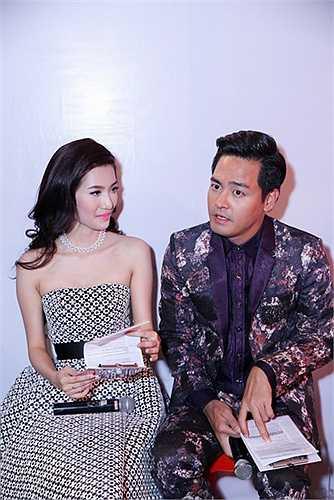 Được sự hỗ trợ hình ảnh từ nhà thiết kế thời trang tài năng Lý Quý Khánh, Mỹ Linh đang thể hiện một gu thời trang ấn tượng, hoàn hảo không kém gì các ngôi sao hạng A của Vbiz