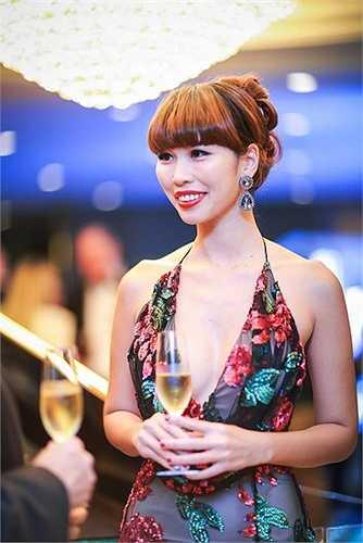 Siêu mẫu Hà Anh là một trong những 'nữ hoàng nội y' của showbiz Việt nhờ vóc dáng nóng bỏng.