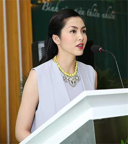Hiện cô vẫn chưa hoạt động nghệ thuật trở lại, Hà Tăng chỉ nhận làm gương mặt đại diện cho các thương hiệu lớn.