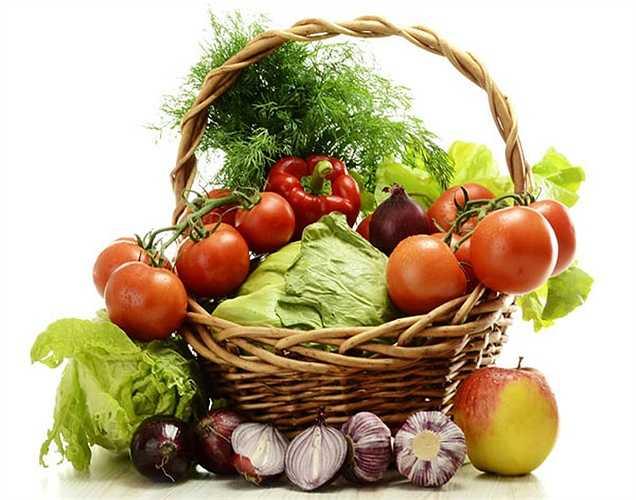 Rau quả tươi: Đảm bảo bữa ăn sáng có thực phẩm  tươi. Điều này giúp giải độc cho cơ thể và điều tuyệt vời nhất là thực phẩm tươi sống ít calo