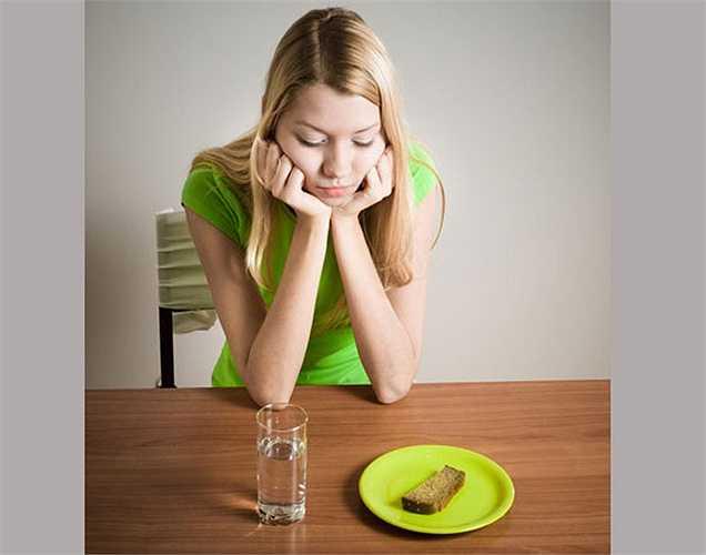 Không bao giờ bỏ bữa: Không nên dùng phương pháp bỏ bữa vì nó không tốt vì nhiều lý do. Nên ăn các bữa ăn nhẹ cũng được không nên bỏ bữa.