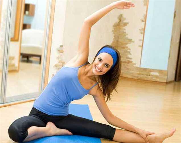 Tập yoga: Nếu tập thể dục và tập tạ không hợp với bạn thì bạn hãy thử hoạt động thể chất như yoga, nó cũng rất tốt