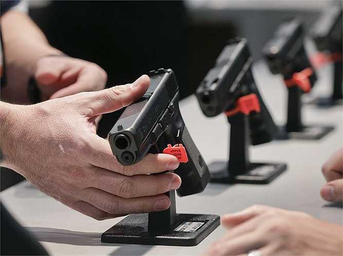 50 triệu USD là số tiền mà tỷ phý Mỹ chi ra dành cho những điều luật chặt chẽ hơn về sử dụng súng ở quê hương mình