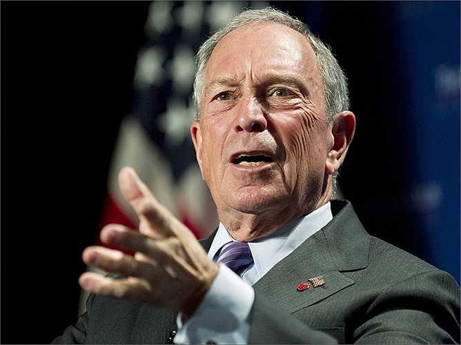 Vì đã thực sự là một tỷ phú vào thời điểm nắm giữ chức Thị trưởng, Bloomberg chỉ thu về 1 USD/ năm tiền lương