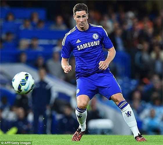 Tuy nhiên chiếc áo số 9 tại Chelsea thực sự là một chiếc áo 'ma ám'. Nó từng khiến kỷ lục chuyển nhượng Premier League - Fernando Torres thân bại danh liệt khi không thể hiện được khả năng