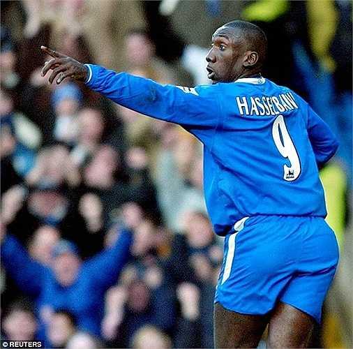 Người thành công nhất từng mặc áo số 9 của Chelsea là Hasselbaink. Anh chơi 4 mùa cho Chelsea từ năm 2000, trước khi bị Mourinho 'đá đít' vì cao tuổi