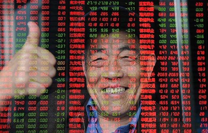 Chỉ số Shanghai Composite Index tăng 80% trong nửa đầu năm 2015 khiến Trung Quốc rơi vào cảnh nhà nhà chơi chứng khoán, người người chơi chứng khoán. Kết thúc tháng 6, tổng số tài khoản chứng khoán đã lên tới gần 236 triệu. Trong đó 226 triệu tài khoản thường xuyên giao dịch. Tuy nhiên, lượng nhà đầu tư tập trung chủ yếu vào 10 thành phố dưới đây.