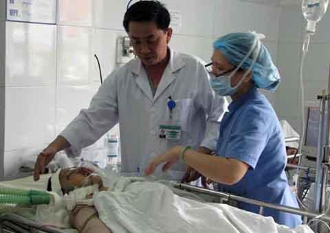 tai nạn giao thông, cầu Thuận Phước, nguy kịch, 2 cháu bé, tông trực diện, Đà Nẵng