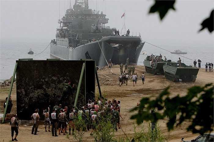 Các lực lượng của Hạm đội Thái Bình Dương cũng tham gia cuộc thi. Tàu đổ bộ cỡ lớn Project 775 lần đầu tiên tham dự. Bên cạnh đó còn có tàu tên lửa, tàu ngầm và tàu quét mìn