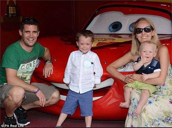 Gia đình Morgan đang vận động quyên góp để có tiền đưa cậu bé sang Pháp chữa trị.
