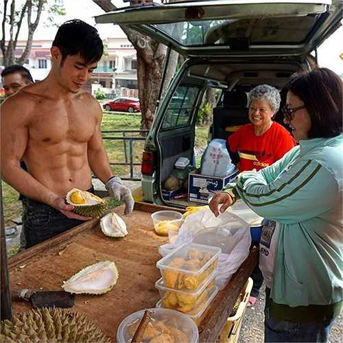 Cơ thể rắn chắc của Yeoh