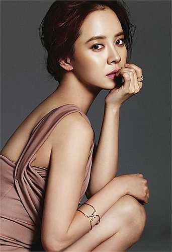 Nhờ Running Man, Song Ji Hyo cũng có một lượng fan khủng ở Việt Nam không thua kém bất cứ nhóm nhạc thần tượng nào.