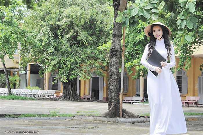 Tú cho rằng được mặc trang phục áo dài là trang phục truyền thống của phụ nữ Việt là niềm hạnh phúc của tất cả các nữ sinh Việt
