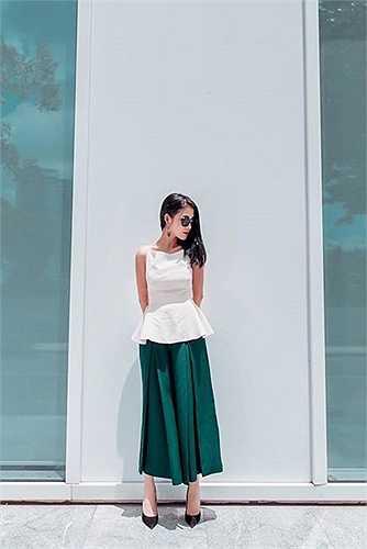 Mai Hồ chia sẻ rất đam mê thời trang và luôn tìm hiểu cũng như cập nhật các xu hướng mới trên thế giới