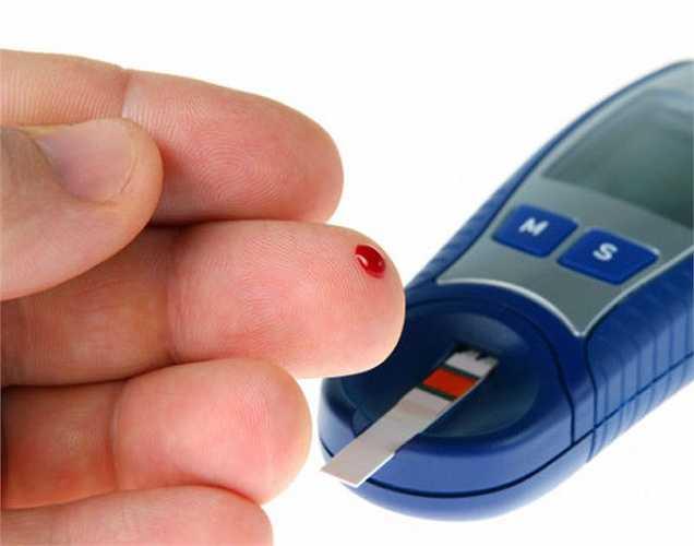 Điều chỉnh đường huyết: Theo một nghiên cứu gần đây, thành phần như crom và lưu huỳnh trong hành tây trắng giúp điều hòa và làm giảm lượng đường trong máu.