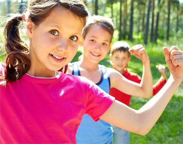 Cải thiện mật độ xương: Một trong những lợi ích sức khỏe của hành tây trắng là cải thiện mật độ xương ở phụ nữ tuổi trung niên. Những phụ nữ ăn nhiều hành tây sẽ có xương khỏe hơn.