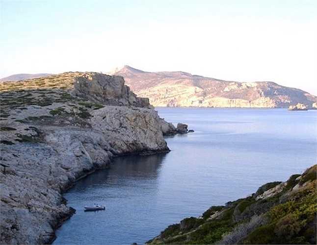 Đảo Kardiotissa -6,2 triệu USD. Vị trí nằm ở trung tâm, kết nối giao thông tuyệt vời. Nơi đây được chào mời mở các dịch vụ lặn, bến đỗ du thuyền