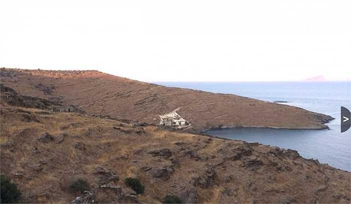Đảo Kythnos - 5,5 triệu USD. Đảo nằm cách Athens 20 phút đi thuyền. Trên đảo đã có hơn 20 ngôi nhà tuyệt đẹp