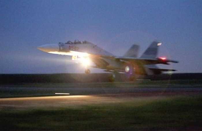 Su-30 Việt Nam làm nhiệm vụ bay đêm