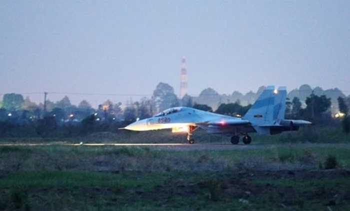 Hình ảnh được cho là Su-30 Việt Nam