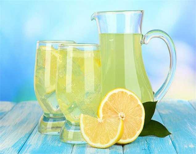 Nước trái cây tươi: là một biện pháp khắc phục tự nhiên tại nhà, có thể chữa viêm loét dạ dày tá tràng. Nên uống nước trái cây như cam, nước chanh ngọt và nho.
