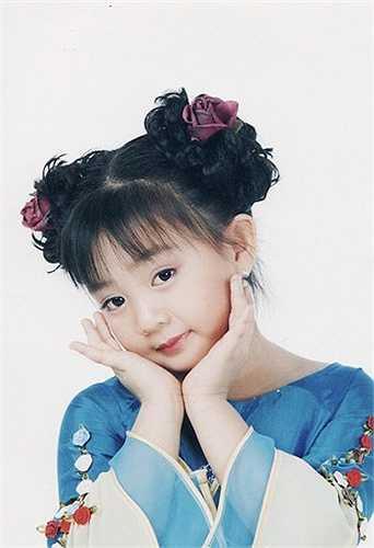 Gương mặt dễ thương của Xuân Mai được nhiều bạn nhỏ yêu mến. Giọng hát của bé càng được mến mộ hơn khi tự tin thể hiện nhiều thể loại nhạc. Những màn trình diễn sôi động và khỏe khoắn, tươi vui giúp bé có nhiều album hút khách.