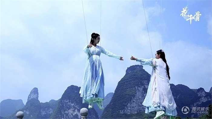 Một phân cảnh bay trong phim của hai nữ diễn viên.