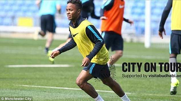 Raheem Sterling bắt đầu tập luyện trong màu áo Man City trong chuyến du đấu tập huấn nước Úc.