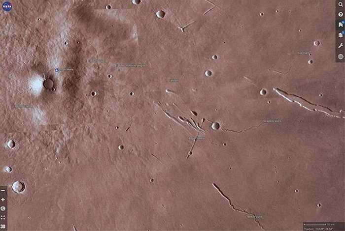 Nhờ sử dụng bộ công cụ trong ứng dụng Mars Trek, người xem cũng có thể chọn một khu vực nhất định, tải về tập tin STL có độ phân giải cao, sau đó đưa vào máy in 3D để in thành bản đồ địa hình dưới dạng 3D. Ảnh: Michelle Starr/CNET
