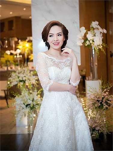 Đan Lê không còn dẫn chương trình Dự báo thời tiết. Cô được khán giả truyền hình yêu mến vì vẻ xinh đẹp và duyên dáng.