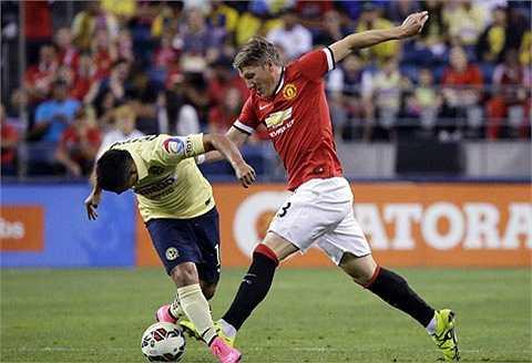 Màn trình diễn tạm chấp nhận được của tân binh người Đức. Bastian cầm trịch Man Utd ở hiệp 2.