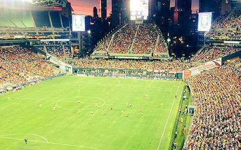 Gần 50000 khán giả đã đến xem trận đấu đầu tiên trong chuyến du đấu của Man Utd
