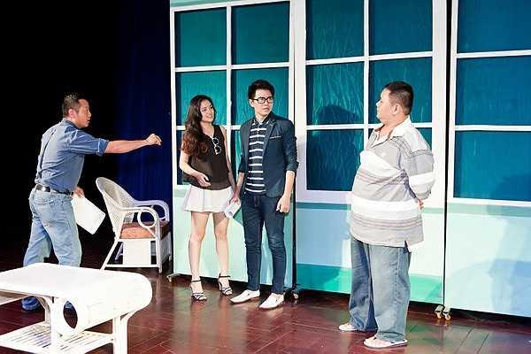 MC Vũ Mạnh Cường từng tham gia nhiều vở kịch truyền hình nhưng đây là lần đầu anh diễn xuất trên sân khấu kịch.