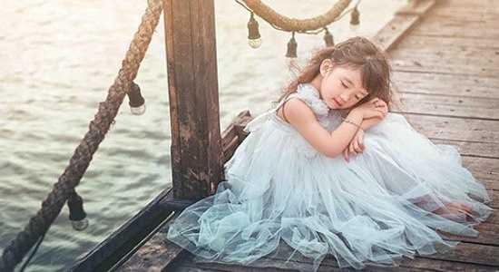 Dương Hải Vi gây ấn tượng bởi độ đáng yêu và phong cách ăn mặc rất riêng của cô bé.
