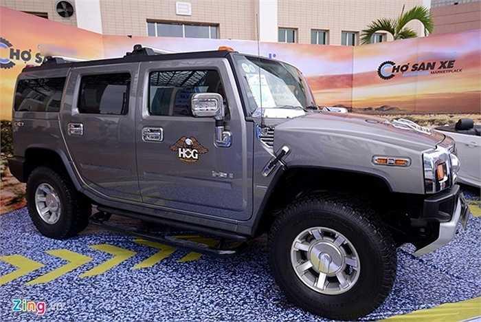 Hummer H2 sản xuất năm 2008 được bán với giá 2,88 tỷ đồng. Xe chạy động cơ 16/OHV 4X4, xe tiêu hao nhiên liệu 28 lít/100 km.