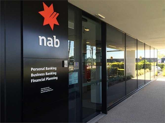17. Ngân hàng Quốc gia Australia  Quốc gia: Australia (Úc)  Tài sản: 752.585.000 USD  Điểm tín nhiệm Fitch: AA- / Moody's: Aa2 / S&P: AA-
