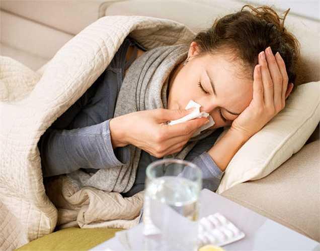 Cảm lạnh và cúm thông thường: Có thể  lây lan dễ dàng cho một người khỏe mạnh nếu bàn chải đánh răng để gần nhau. Đặc biệt, không nên để bàn chải gần bàn chải của người bị bệnh HIV.