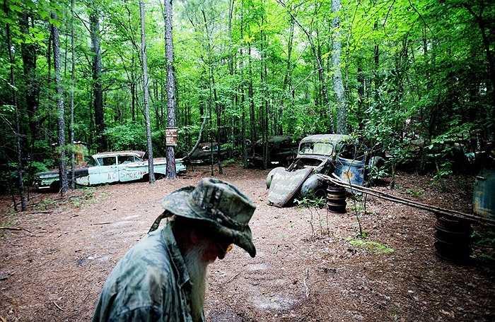 Trong khu vực này có hơn 4.000 chiếc xe bị bỏ hoang