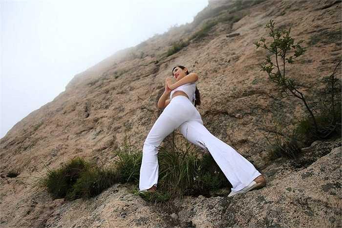 Tập yoga ở những nơi thiên nhiên tuyệt sắc thế này là mơ ước của nhiều người.